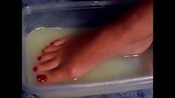 Feet cum bath with footjob finish