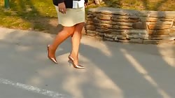 WALK IN NYLONS