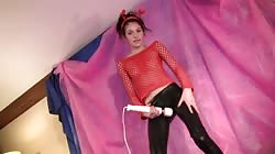 Young Dancerbating temptress plays with her hard dildo