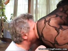 Milf in black bodystocking adores hardcore face sitting