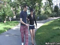 His injured gf cheating with another guy