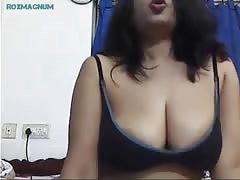 Poornam aunty indian webcam teasing part 4