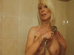 Eva Delage raconte ses plans culs sous la douche