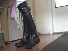 Cleaning of Rubber footwear