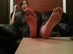 Korean student shows her feet