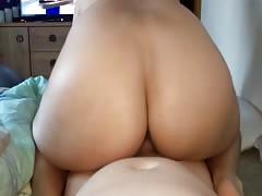 friend sit on meee 2
