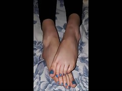 Noulita moves her sexy feet (part 7)
