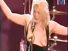 COURTNEY LOVE FLASHES HER TITS - Celebrity Skin (Live 1999)