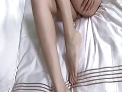 SunnyLeone Sunny Leone in a luxuruous hotel masturabating