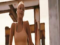 Jessica Alba - Into The Blue