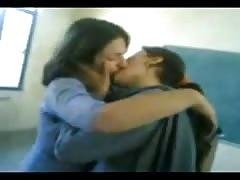 YouTube - School Girls-French Kiss mpeg4