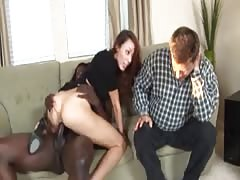 Despondent husband sees wife pulverize a dim guy MC169