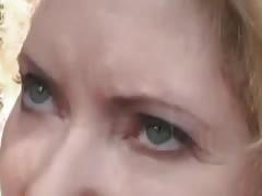Tittenmoms outdoor fucking