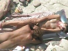 Spy camera beach cunnilingus video