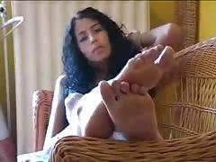 Arabian Beurette Show Feets