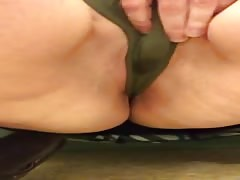 Bbw rubbing her wet pussy