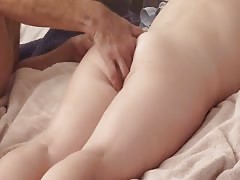 Homemade Anal : soft massage and fingering to get her ready