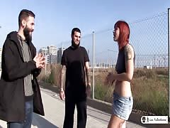 LAS FOLLADORAS - Lilyan Red picks up amateur for gang bang