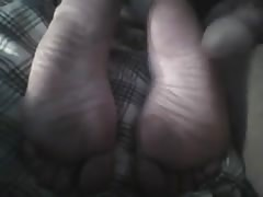 Cumming on wifes sexy soles