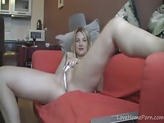 Solo seduction with a dirty-minded blonde girl