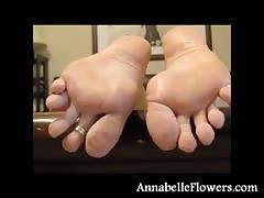 Good-looking soles of a very lustful milf Annabelle Flowers