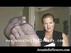 Impressive milf Annabelle Flowers fucks her anal hole