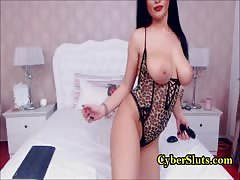 Adorable rotund babe toys her ass