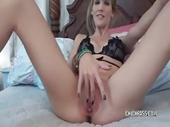 Blonde MILF Jolene sucks dick and gets a big facial