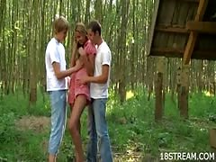 Outdoor threesome pleasuring