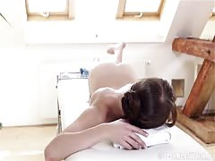 Chelsy Sun - Massage turns into sex with shy girl