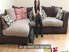 FakeAgentUK Promise of cash gets London chicks legs spread wide