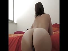 Gorgeous PAWG opens DAT ASS